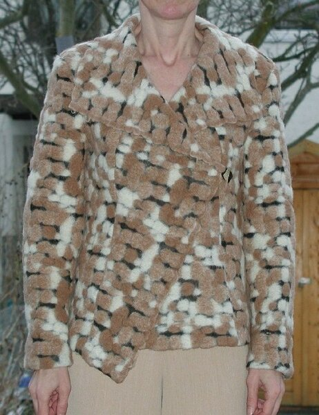 Jacke aus  hmmmmm  Walk/Nunofilz ???