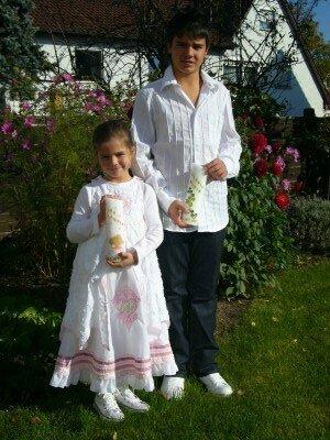 Taufe in Cara und Zoe und H&M