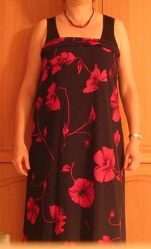 Kleid_floral1.jpg.661abb0ef46d8399310f090aaf9c2019.jpg