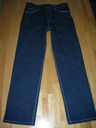 Jeans_001.jpg.6f36d0a7bbd778acc169b6d14ff61d21.jpg