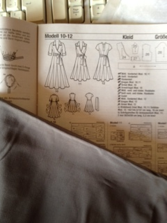 Kleid.JPG.1d18e867bfd9a4e193865e48eb49be53.JPG