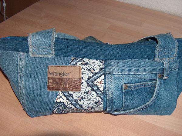 jeans.jpg.f7866145b3fa5666c323be3022e52e81.jpg