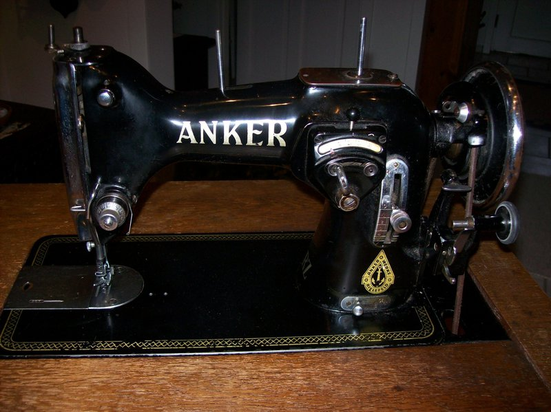 Anker-RZ-1656476_08sm.jpg.caa8059fe602952b9b337291ea5b0591.jpg