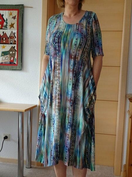Jerseykleid, grüngestreift
