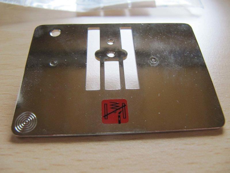 Cutworkstichplatte.jpg.c0ab70010965e05647cab80f7398917b.jpg