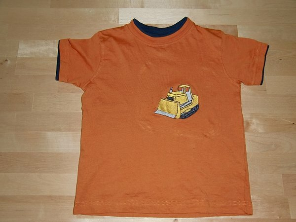 T Shirt Bagger Unterlage: 2+ Abreissvlies, Garn Madeira und Marathon.