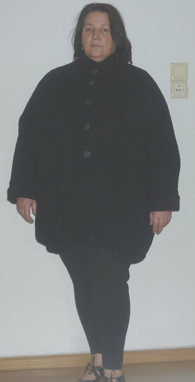 schwarze Wolljacke Stoff: schwarzer Wollstoff Schnitt: Burda 8143