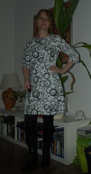 Brigitte Dress  BrigitteDress von Simple Sew Polyesterelasthan Kreise von Stoffe.de