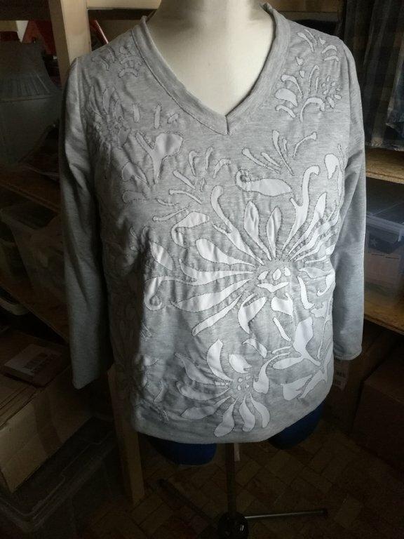 Shirt, komplett von Hand genäht  Muster: Magdalena Stencil von Natalie Chanin