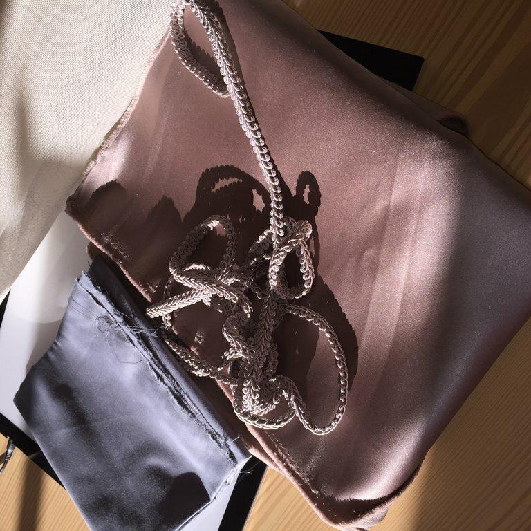 Material für mein zweites steifes Mieder  Oberstdorf fester Ducheese, fester Taschenstoff als Schutz vor dem Peddigrohr