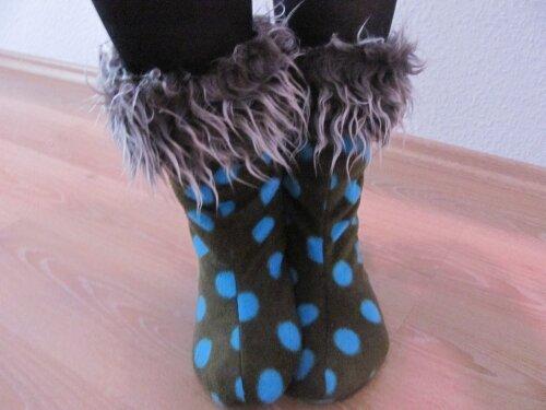 Puschen mit Teddystoff im Inneren - hier sind heiße Füße garantiert:-)