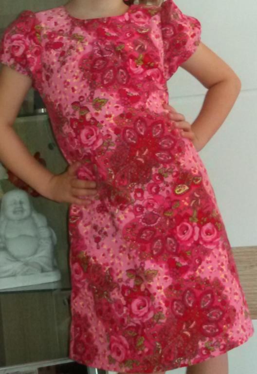 Ottobre-Kleid Peilisali Gr.122, aber deutlich weitenreduziert aus der Ottobre 6/2012
