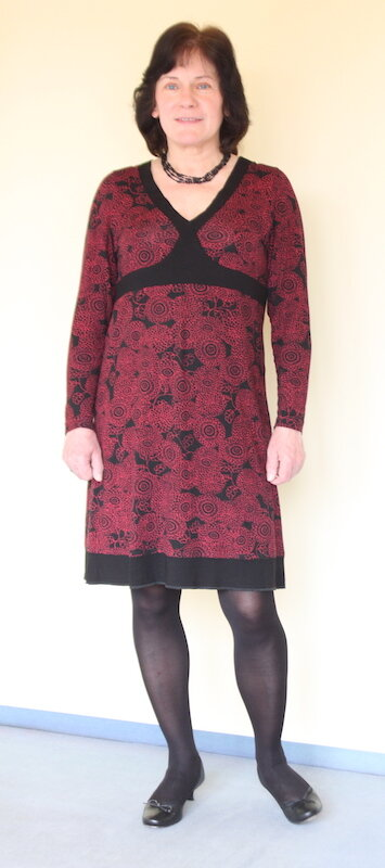 Rot-schwarzes Kleid
