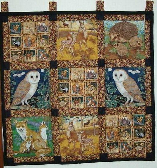 Wandteppich mit Tierpanelen