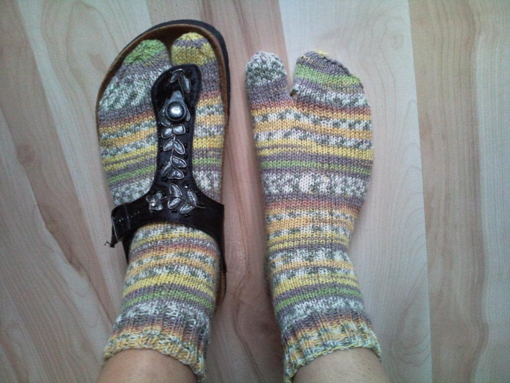 Socken für Zehensteglatschen