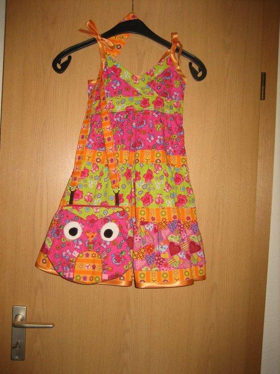 Ich war so stolz, als dieses Kleidchen fertig war. Ich liebe diese Farben!