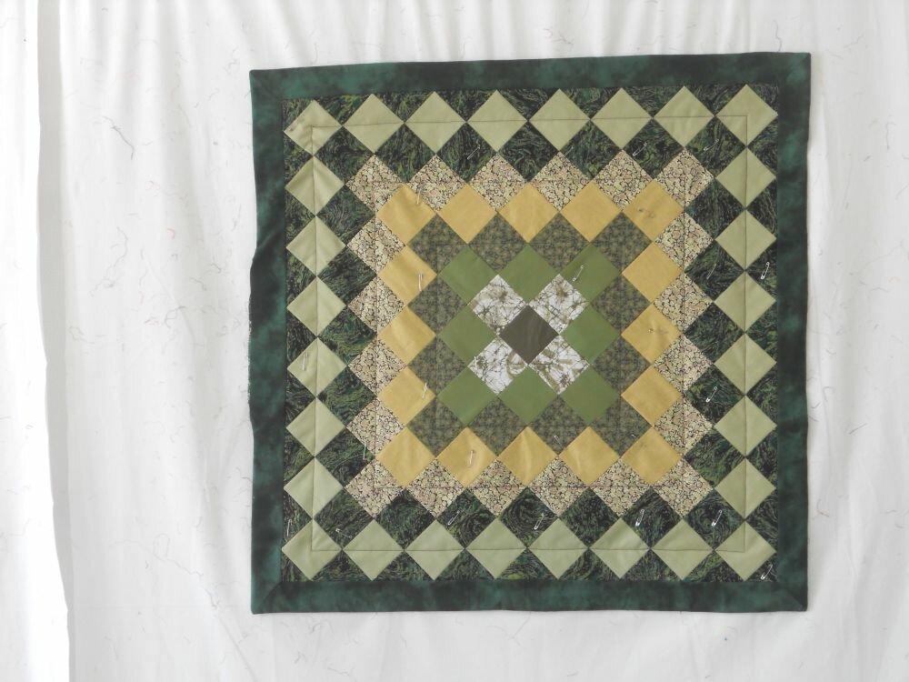 Decke grün Diese Decke habe ich für meine Mama genäht. Sie möchte sie als Deko für ihre Couch haben.
