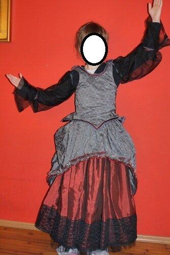 04- Vampirkostüm 2012