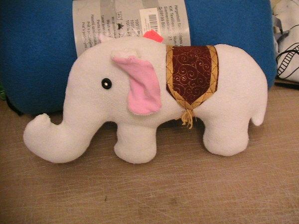 Elefant zur Schlusspfiffnähmäuse-Challange Dezember 2009