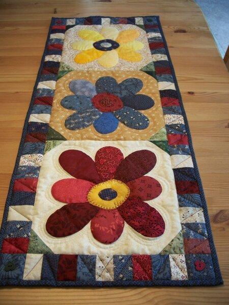 blooms lap quilt