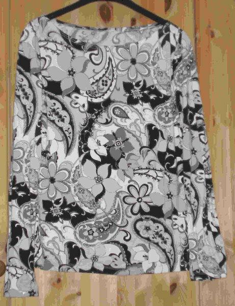 T-Shirt mit U-Boot-Ausschnitt Burda 2/2009, Nr. 108A, Gr. 42 BW-Jersey mit Elastan