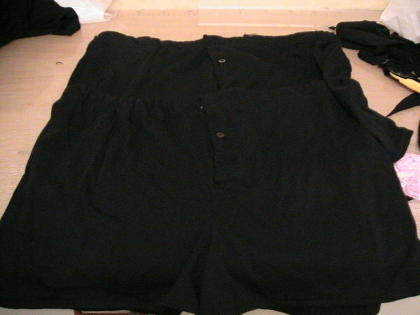 2 Boxer-Shorts für Sohnemann Nr. 2, ebenfalls aus blauem Jersey.