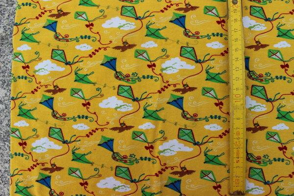D3: Jersey Tante Ema drachen gelb Eigentümer: Liabell 140 x 45 => 0,63 m²