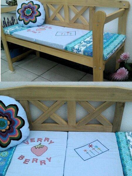 Gartenbankdeko, mit einem Banjukissen und selbst entworfenen Bankauflagen