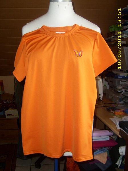 T-Shirt aus orangenem Microfaser-Jersey. Schnitt BurdaEasy Gr. 158