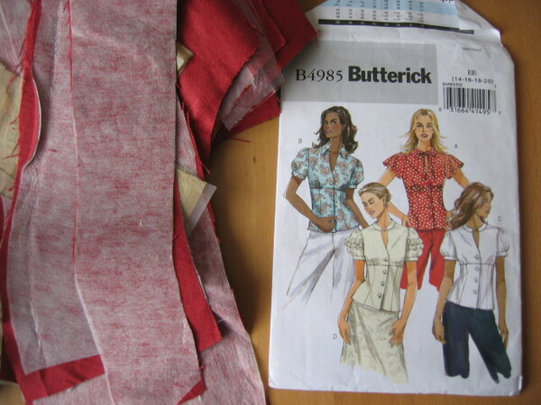 12 Butterick 4985 mit Bluse