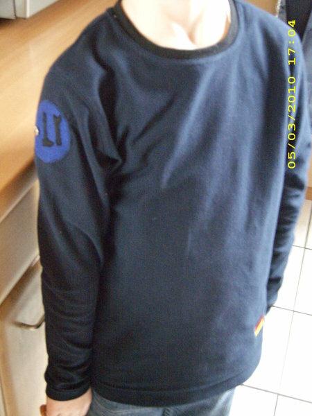 Jerseyshirt Gr. 134 , mit Aufnäher unten links und am rechten Oberarm