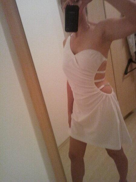 Weisses Kleid für weisses Fest
