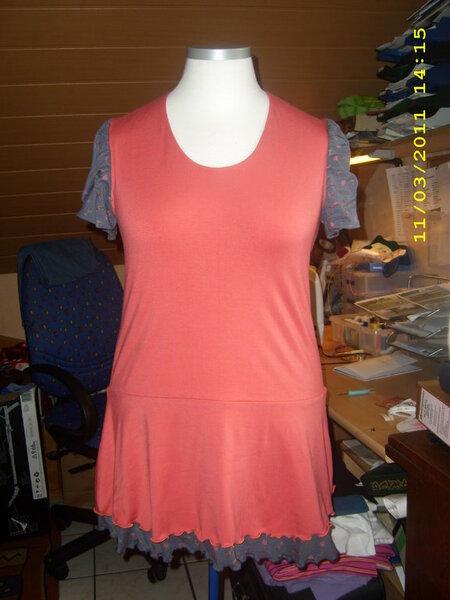 Shirt bzw. Kleid aus der Ottobre 2/2011. Genäht aus zwei verschiedenen Jerseys in Gr. 42.