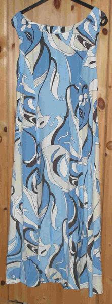 Kleid nach einem Kaufschnitt von Neue Mode, Gr. 42 Viskose-Stoff (ohne Innenfutter)