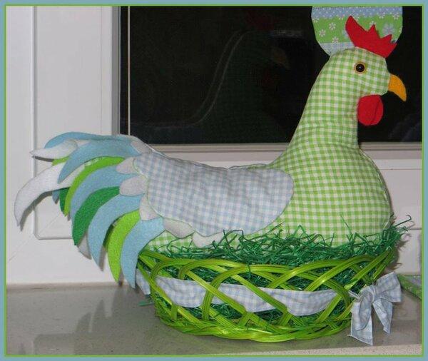 Das Huhn habe ich ohne Anleitung genäht.