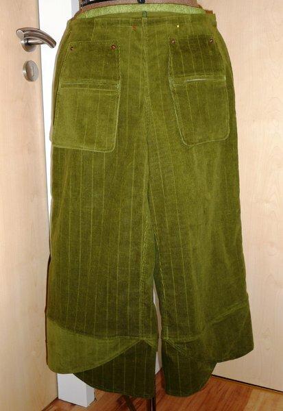 japanische Hose *h* Hier ist es nochmal sehr gut zu sehen und ebenfalls die Tasche.