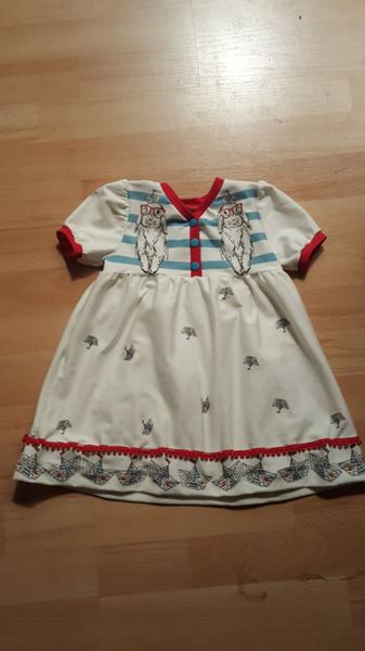 Kleidchen passend zur roten Wendejacke Gr.86