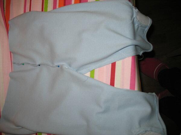 Erstes Kleidungsstück meiner kleinen.Leider nicht so geworden wie ich wollte aber egal hauptsache mal geübt!!!!