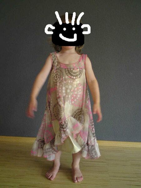 Farbenmix Kleid Willemintje (oder so ähnlich) für meine Kleine...leider etwas zu weit...muss ich noch ändern...irgendwie...