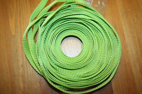 37. Gurtband 1cm in apfelgrün - super für Kameragurte
