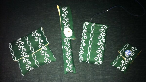 Von links: Täschchen für Pen-Nadeln Hülle für Insulin-Pen Insulinpumpensocke Täschchen für BZ-Messgerät