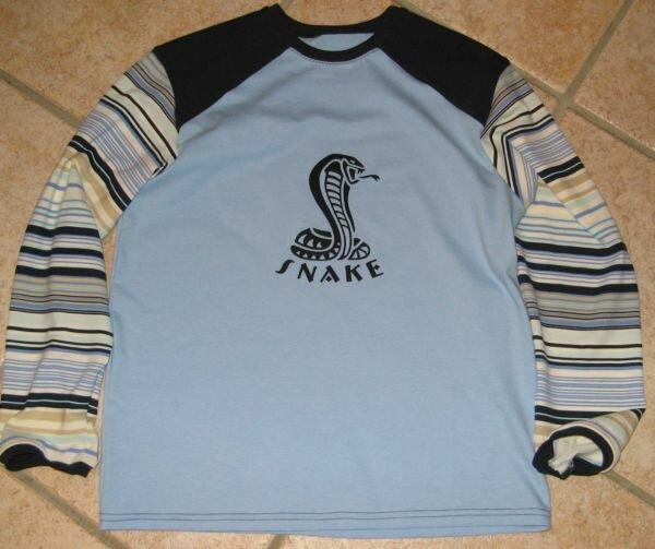 Ottobre Shirt mit Snake