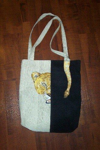 Löwentasche