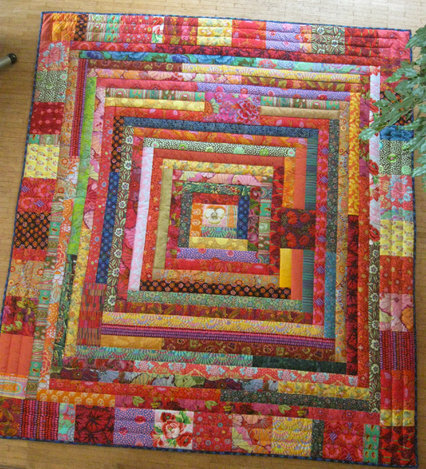 COLOUR PARADE Die Decke ist mit der Maschine gepatcht und handgequiltet. Sie ist 195cmx175cm.