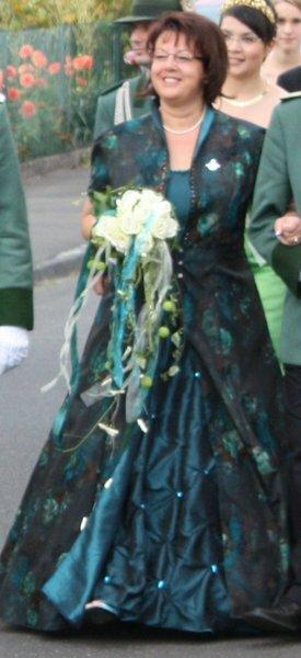 mein Königinnenkleid bestehend aus Mantel und Kleid