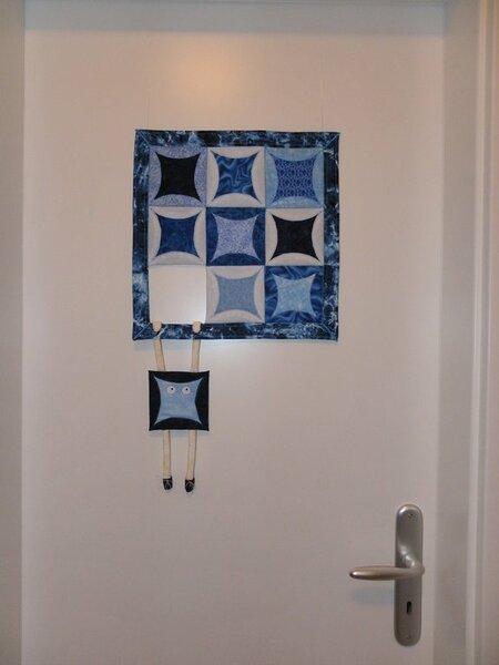 """Meine Interpretation des Quilts aus dem Fred """"Witzige Quilt Idee"""" die jetzt die Tür zu meinem Nähzimmerchen schmückt."""