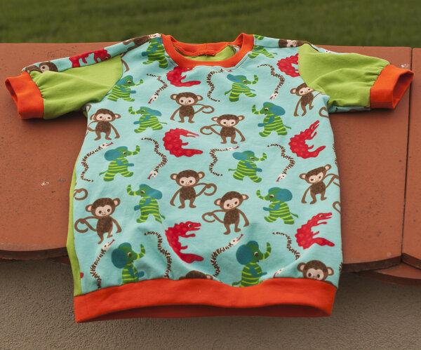 T-Shirt mit Affen in Größe 92