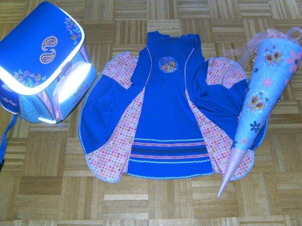 Einschulungskleid und Schultüte