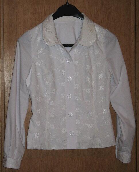 Festliche Bluse aus Batist