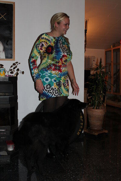 Und hier mal das Kleid am lebenden Modell